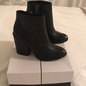 Dolce Vita black leather booties 6.5
